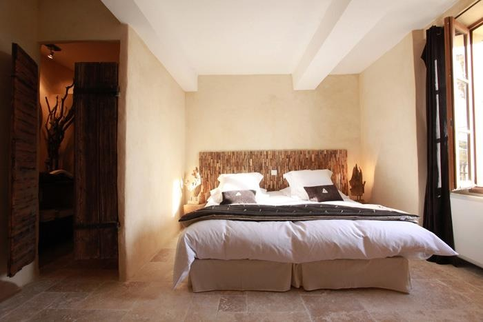chambres d 39 h tes les remparts beaumes de venise europa bed breakfast. Black Bedroom Furniture Sets. Home Design Ideas