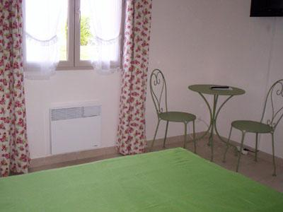 Chambres d 39 h tes champ de caille montlivault europa bed breakfast - Chambre chez l habitant blois ...