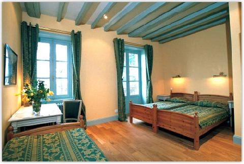 chambres d 39 h tes ch teau de la corbette cluny europa bed breakfast. Black Bedroom Furniture Sets. Home Design Ideas